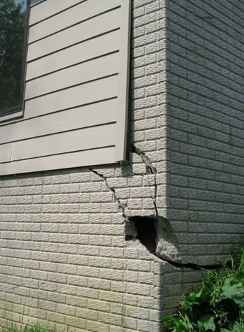 severe cracking of structural walls in Roswell